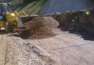 Geomallas flexibles para muros de suelo reforzado